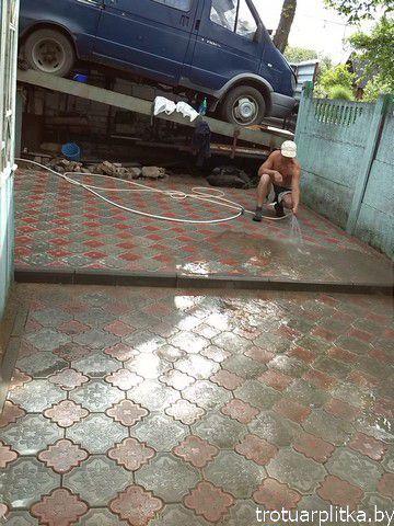 площадка возле гаража